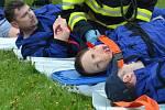 Cvičení při leteckém neštěstí na mosteckém letišti.