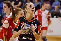 První sezona v Mostě Janě Šustkové vynesla tři medaile - český titul. stříbro v MOL Lize a zlato v Českém poháru.