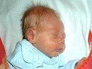 Mamince Veronice Zárubové z Teplic se 14. října v 1.30 hodin narodil v Mostě syn Antonín Záruba. Měřil 44 centimetrů a vážil 1,89 kilogramu.