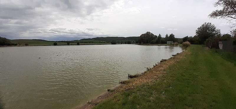 Voda u Zaječic nabízí klidnější rybolov než mostecká Matylda