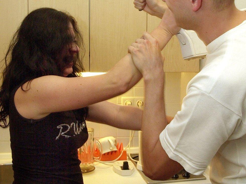 Domácí násilí.