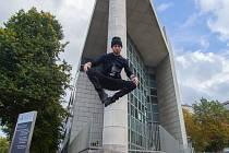 Tanečník Patrik Gluchowski z Mostu