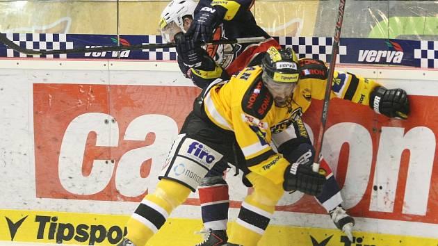 Derby Litvínov vs. Chomutov.