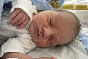 Michal Pém se narodil mamince Zdeňce Hrubé z Mostu 9. září v 19.30 hodin. Měřil 49 cm a vážil 3,33 kilogramu.
