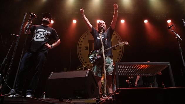 V neděli bude v Litvínově na Loučkách kapela Divokej Bill.