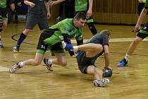 Mostečtí házenkáři (v zeleném) v posledním zápase s Ústím.