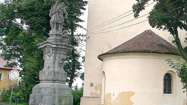 Socha v Českých Zlatnících.