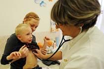 U dětského lékaře s virózou.