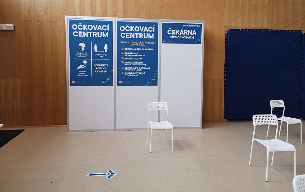 Nové očkovací centrum v mostecké sportovní hale