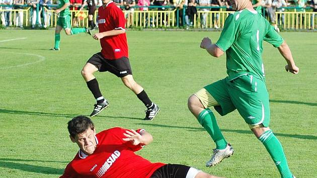 Fotbalisté Souše (na zemi Popelka) vyzvou druholigový Sokolov.