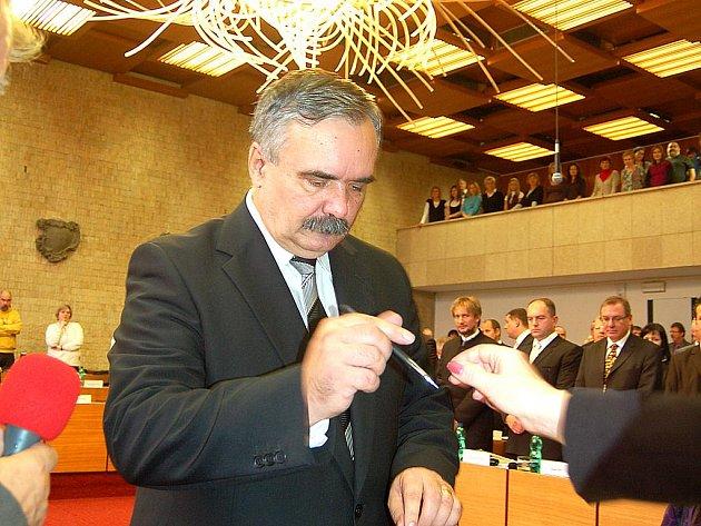 Primátor Mostu Vlastimil Vozka.