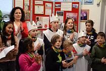 Koledníci Tříkrálové sbírky zavítali do Soukromé hotelové školy Bukaschool v Mostě
