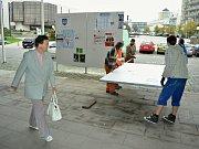 Radniční plocha pro výlepy volebních letáků před volbami v roce 2016 v Mostě.