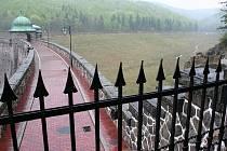 Janovská přehrada je kulturní památkou.