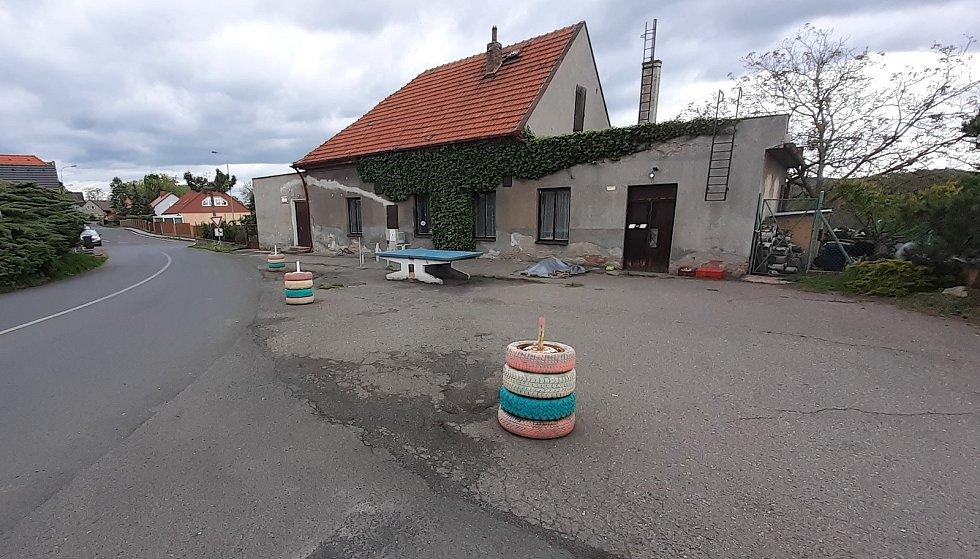 Obec Bělušice, bývalá hospoda.