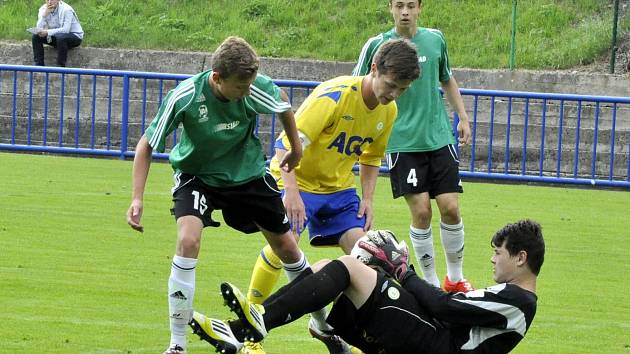 Mostečané (v zeleném) nakonec brali ve finále poháru stříbro.