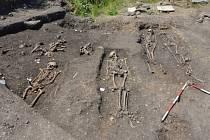 Odkryté hroby u Mariánských Radčic.