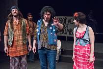 Hudební retro-komedie 60´s aneb Šedesátky v mosteckém divadle.