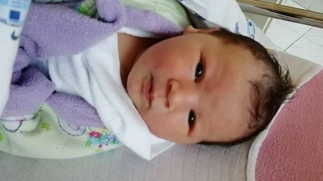 Alice Kalfařová se narodila 9. března 2021 mamince Kristýně Kalfařové. Měřila 51 cm a vážila 4,1 kg.