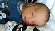 Jiří Kadlec se narodil 3. listopadu 2017 ve 12.35 hodin mamince Adrianě Kadlecové z Mostu. Měřil 48 cm a vážil 2,73 kilogramu.