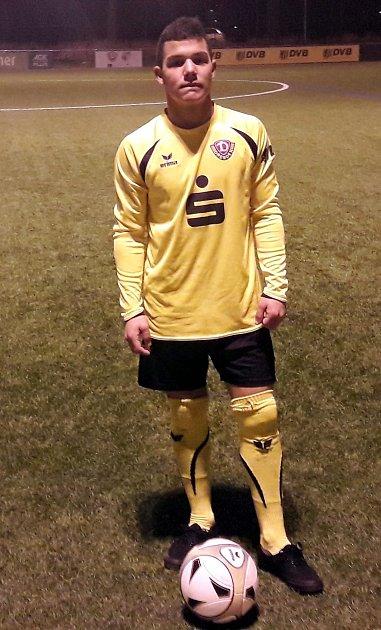 Hráč Mosteckého fotbalového klubu Zdeněk Holdy má za sebou velmi úspěšné vystoupení vdresu bundesligového SG Dynamo Dresden U15