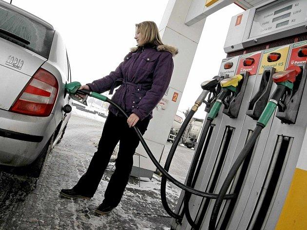 Ceny pohonných hmot v Ústeckém kraji vzrostly.