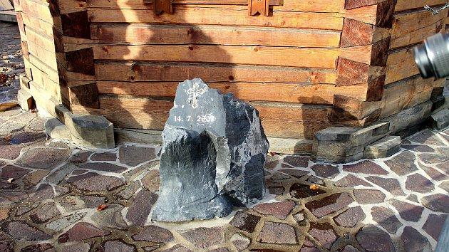 V Mostě se zřítil během vichřice pravoslavný kostel