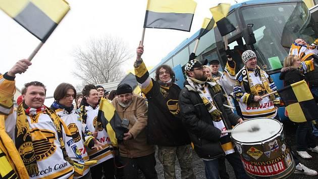 Fanoušci litvínovských hokejistů.
