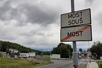Mostecká Souš. V této části města je autodrom i jezero Matylda.