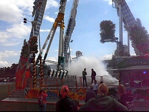 Megahoupačka Monster v Drážďanech během městských slavností.