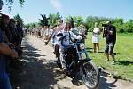 V areálu Jezdeckého klubu Splněný sen v mosteckém Vtelně se v sobotu 31. července konala neobvyklá svatba.