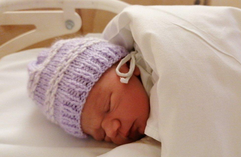 Alžbětka Kužminská se narodila 16. února 2021 v 10.17 hodin mamince Mirce a tatínkovi Jakubovi. Měřila 45 cm a vážila 2,30 kg.