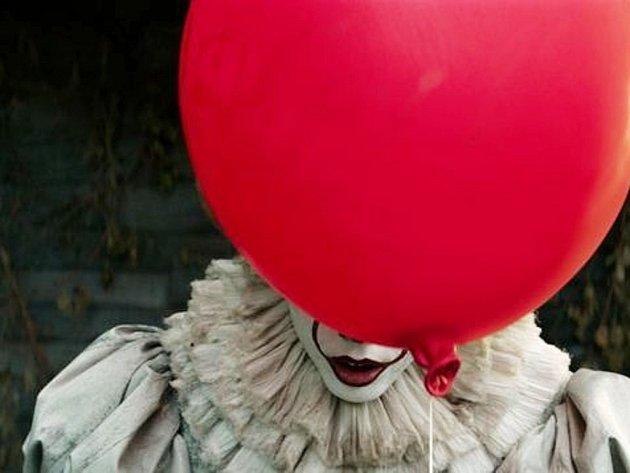 Ve filmu To má zlo podobu děsivého klauna Pannywise