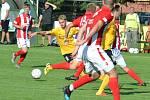 Souš (v červeném) doma v MOL Cupu padla se Sokolovem 0:3.