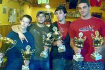 Trofej za vítězství v ligovém poháru pro Brooklyn B Louny.