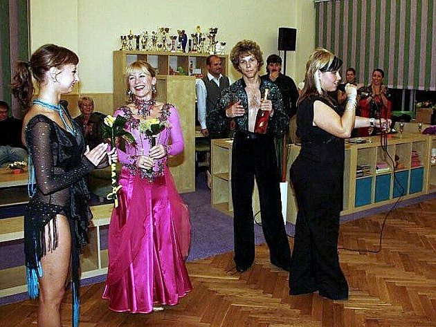 Jan Onder a Dana Batulková při otevření tanečního studia.
