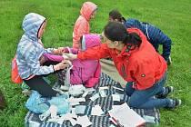 Žáci z Mostecka a Chomutovska soutěžili v mosteckém parku Šibeník v první pomoci