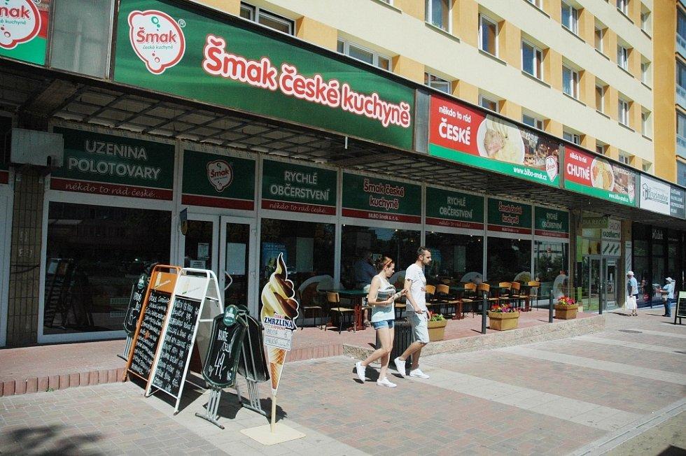 Prodejny zmrzliny v centru Mostu: Šmak