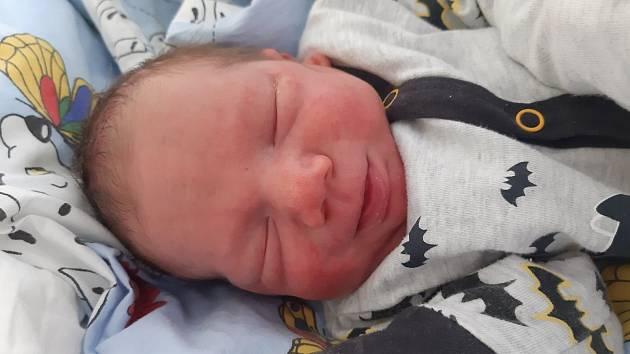 Jan Bucha se narodil mamince Veronice Bárkové z Mostu 12. dubna ve 14.30 hodin. Měřil 48 cm a vážil 2,84 kilogramu.