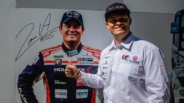 Závodní jezdec Adam Lacko.