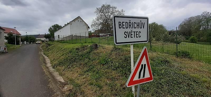 Víska Bedřichův Světec.