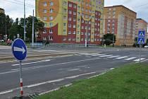 Na Budovatelce a v ulici Nejdlého se frézuje vozovka.
