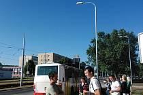 Cestující museli podruhé přestoupit u Stovky.