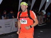 Ze zážitkového nočního běhu Night Run, který se uskutečnil v sobotu v Mostě.