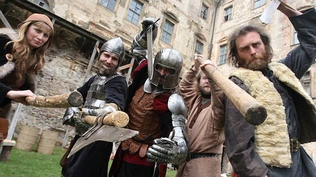 Na zámku Jezeří se konala první větší akce pro veřejnost - Život na zámku.