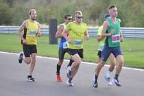 Na startu 35. ročníku Olympijského běhu na mosteckém autodromu se ve středu 16. září sešlo 163 mužů a žen.