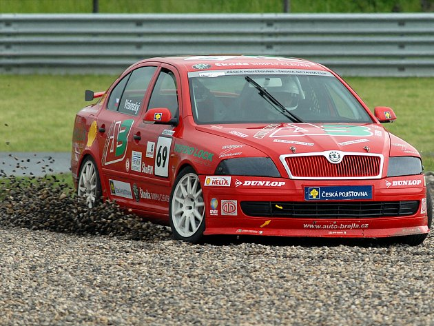 Ivan Vršínský při víkendovém závodě Octavií na mosteckém autodromu.