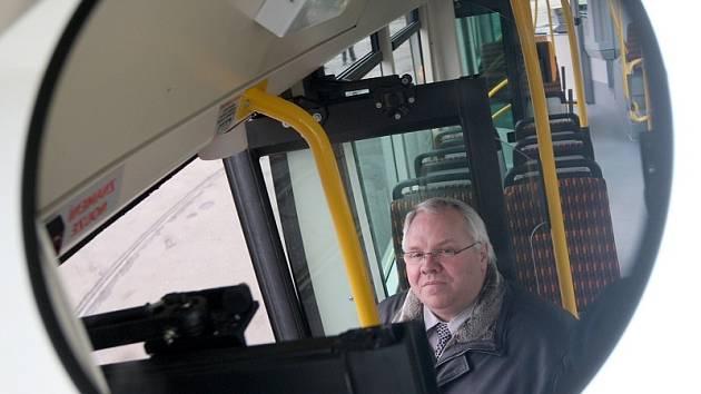 Autobus mosteckého dopravního podniku.