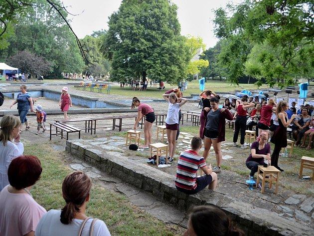 Zahradní slavnost v mosteckém parku Střed