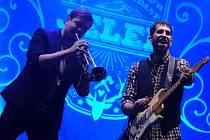 Kapela Jelen koncertovala ve sportovní hale v Mostě.